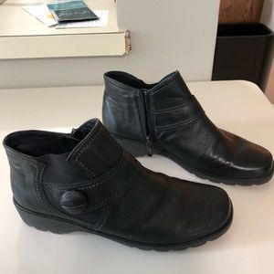 Ara Black Leather zipper Boots / Booties. Sz. 8.5